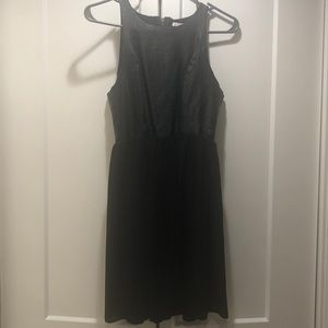 Black dress, perfect for all outings!